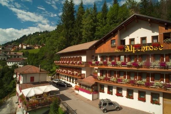HOTEL ALPENROSE *** Montagna Estiva