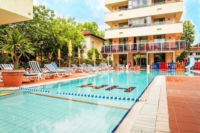 FAMILY HOTEL CLUB MADISON**** Mare Italia