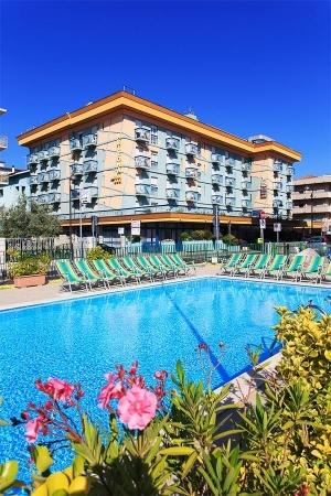 FAMILY HOTEL CLUB ARIZONA*** Mare Italia